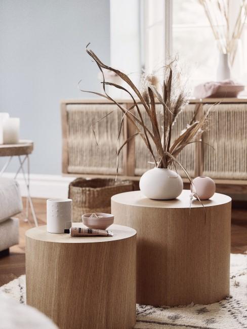 Beistelltische aus Holz im Wohnzimmer