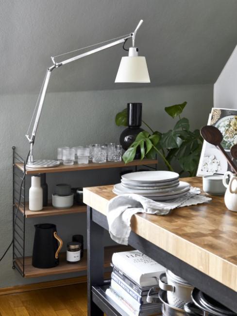 Dunkle Küche im Industrial Style