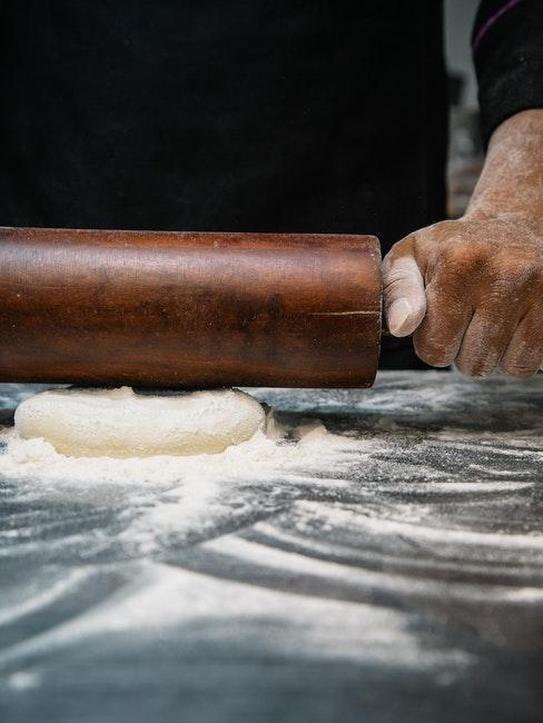 Nudelteig selber machen ohne Nudelmaschine mit dem Nudelholz