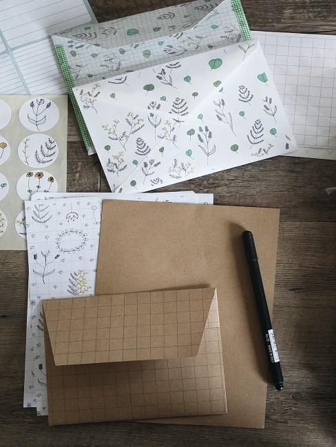Briefpapier mit Muster