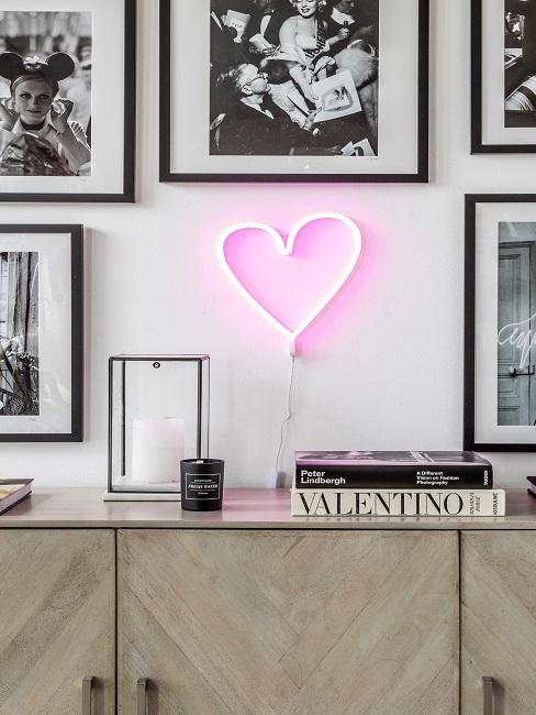Neon Leuchte in Herzform
