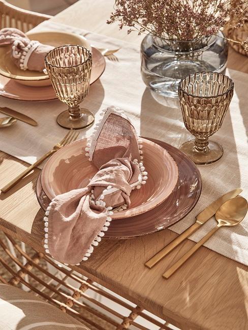 Goldene Tischdeko