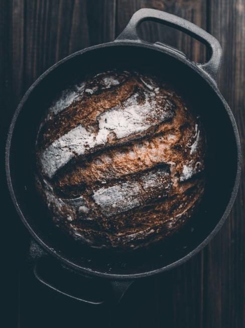 Brot selber machen in einem Gusseisentopf