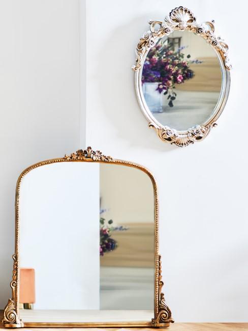 Runder und eckiger Spiegel im Barock-Stil