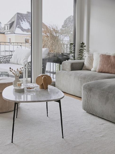 Maennerwohnung einrichten Wohnzimmer Sofacke Terrasse