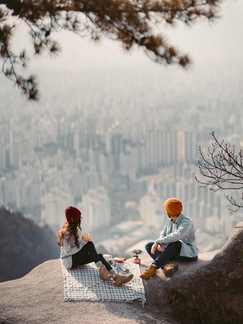 Hobbys für Paare wie Wandern