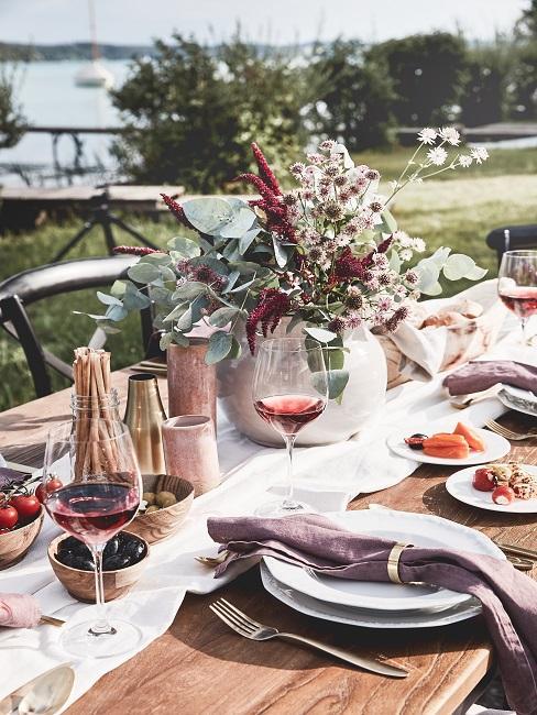 Sommerliche Tischdeko