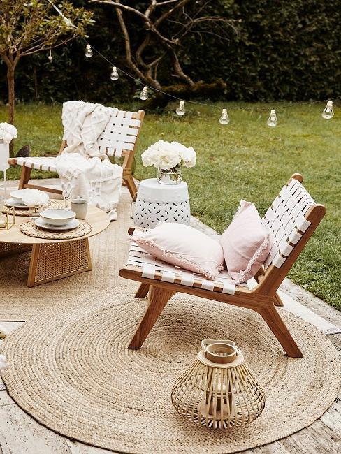 Lounge Stühle mit Outdoor Teppich