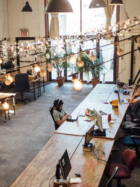 Schlichtes Co-Working Office