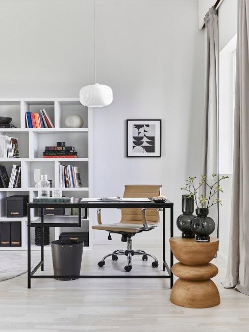 Büro eingerichtet mit modernen Möbel und Deko