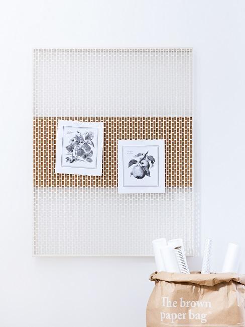Pinnwand mit zwei Fotos