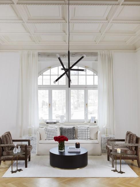 New Heritage Wohnzimmer mit Sesseln, Couch und Kissen