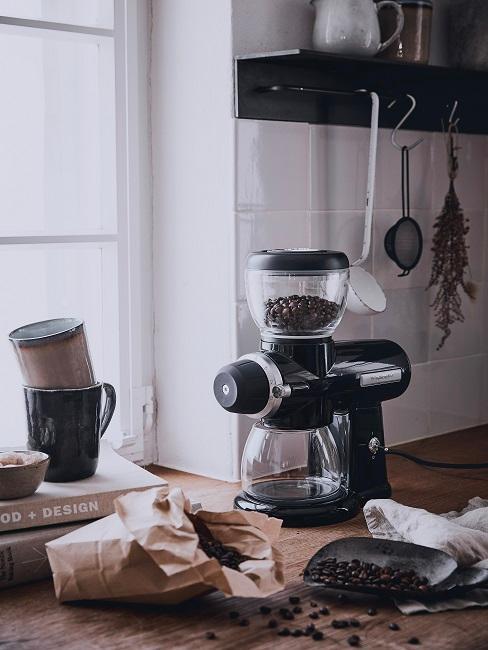 Kaffeeecke mit Mühle