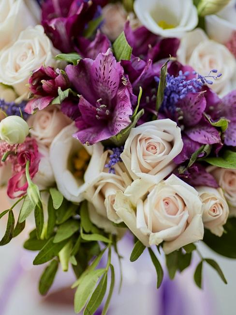 Bouquet mit lila Blüten