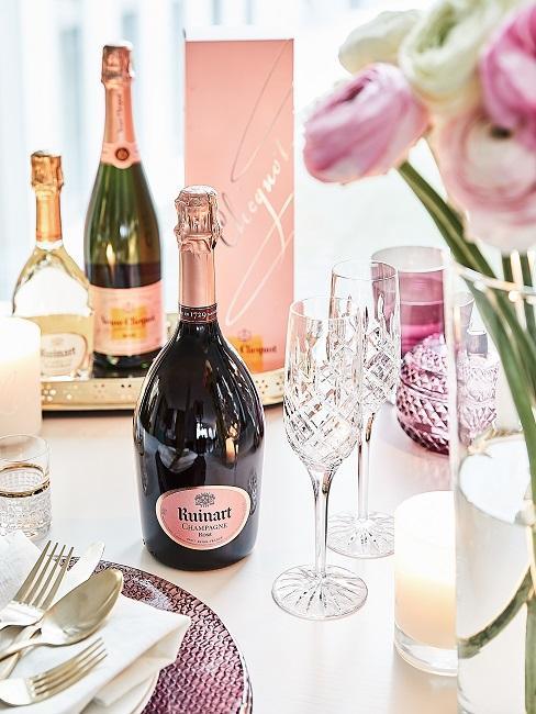 Champagner auf dem Tisch