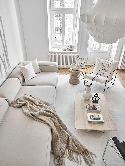 Wohnzimmer von oben mit minimalistischer Einrichtung