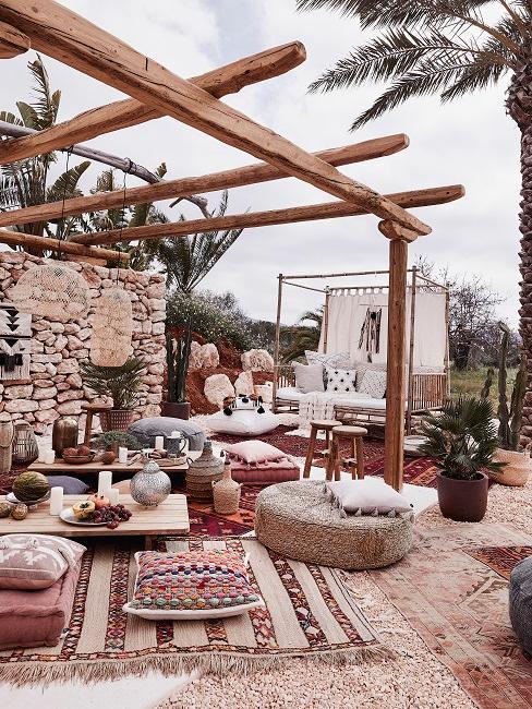 Mediterrane Terrasse orientalisch Teppiche Deko