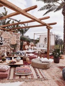 Terrassengestaltung Orientalische Terrasse Teppiche Deko