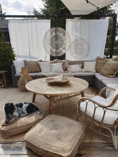 Boho Sitzecke für den gemütlichen Garten