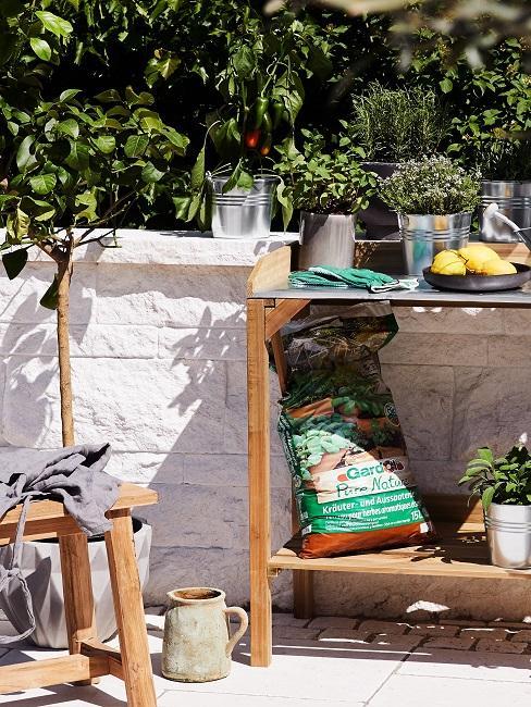 Tisch für die Bepflanzung
