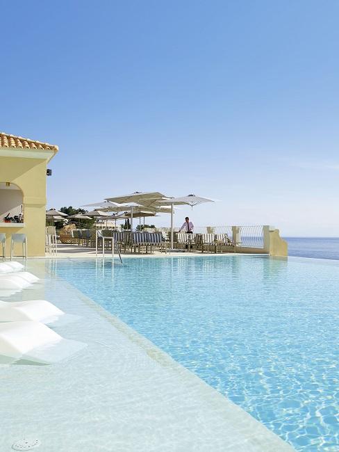 Honeymoon Reisen Marbella Nido Suite Hotel Villas Pool