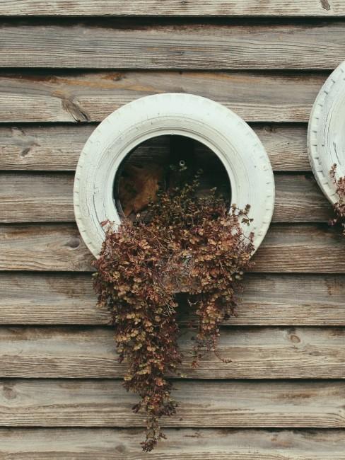 Autoreifen Upcycling Idee Blumentopf