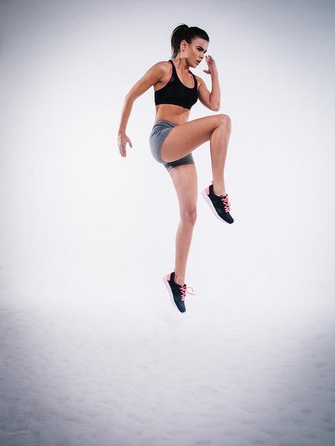 Intervall Fasten Plan Sport Frau Muskelaufbau
