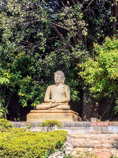 Buddah Statue im Freien