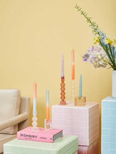 Dip Dye Kerzen in verschiedenen Formen und Kerzenständern