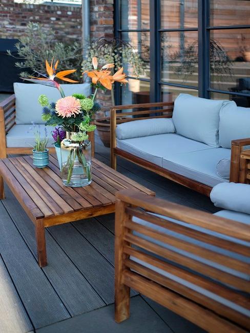 Outdoor Lounge auf Balkon