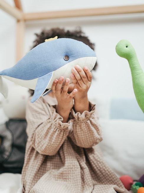 Spielzeug und Geschenke zum Kindertag