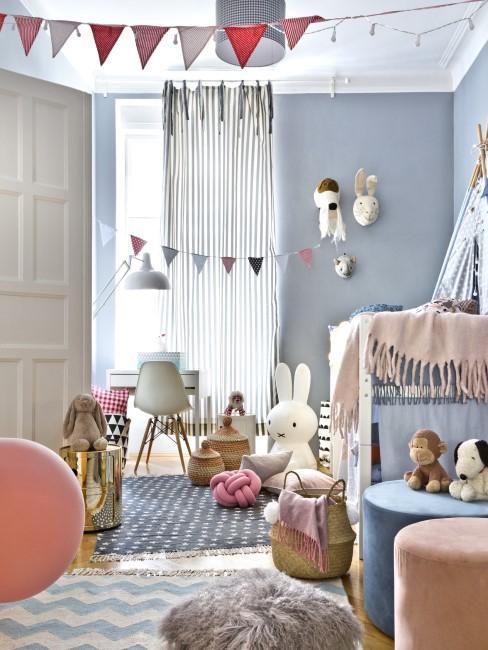 Schönes Kinderzimmer in Rosa und Blau