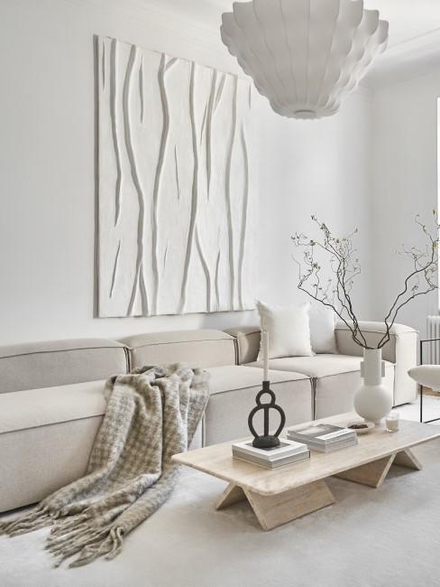 Weißes Textur-Bild hängt im Scandi-Wohnzimmer