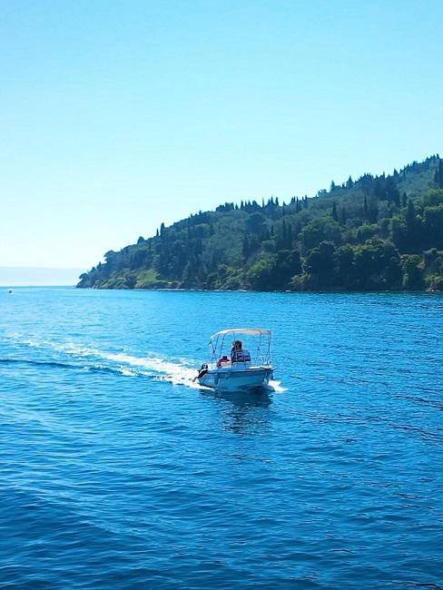Urlaub 2021 planen Griechenland Meer Boot