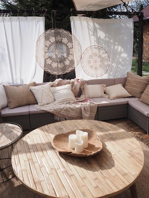 Sitzecke und Makramee im Boho Stil
