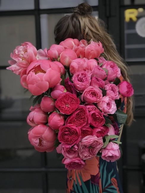Pfingstrosen in Rosa und Pinktönen