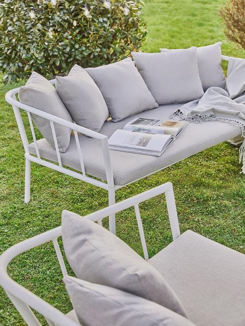 Graues Outdoor Sofa für den Garten