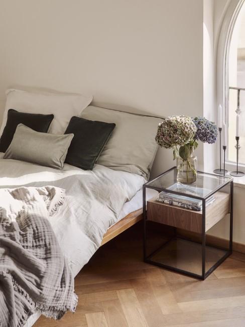 Bett selber bauen aus Holz