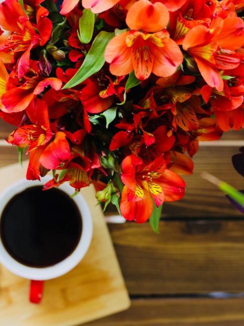 orange Lilien Kaffeetasse