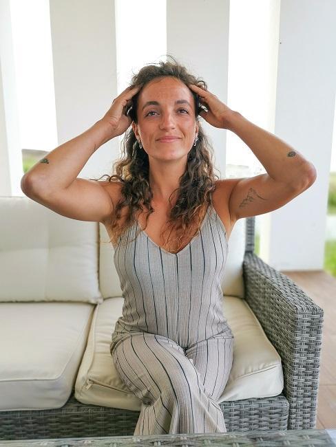 Face Yoga Übungen Kopfhautmassage