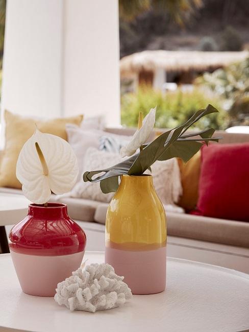 Zweifarbige Vasen