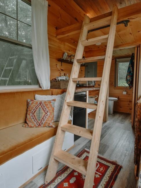Holzdielen für die Gartenhütte