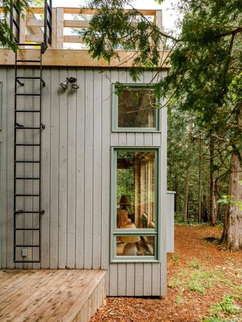 Moderne Gartenhütte aus Holz