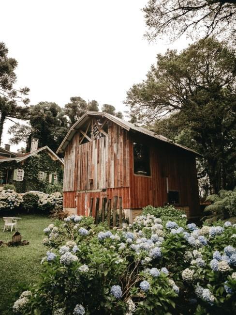 Schönes Gartenhaus aus Holz