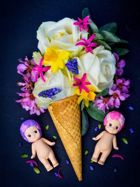 Sommerblumen in Eiswaffel als Tischdeko für Babyshower