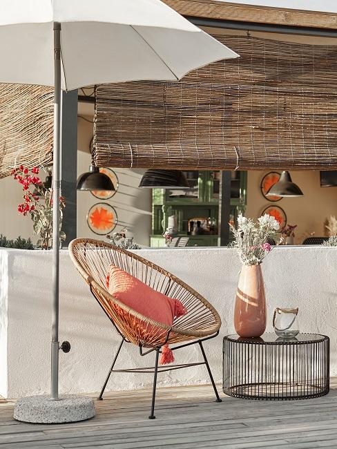 Jessica Schwarz Reves Etoiles Essbereich Lounge