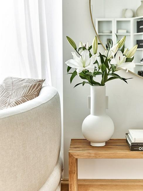 Phiaka Frauen WG Wohnzimmer Deko Vase Blumen