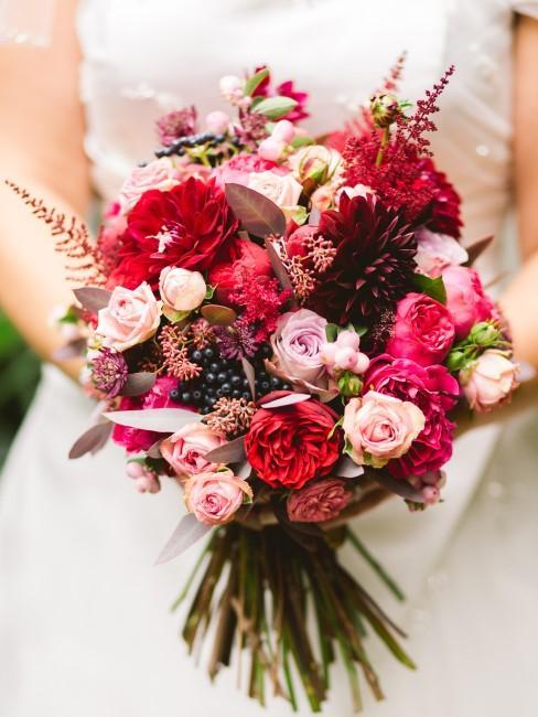 Brautstrauß in Rot und Rosa