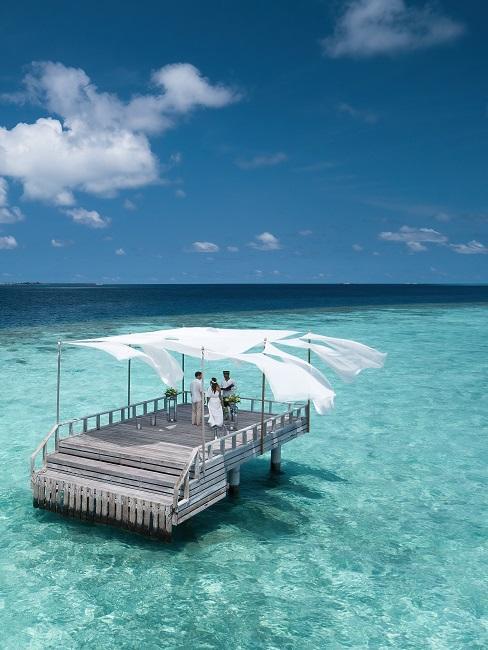 Baros Maldives Piano Deck Hochzeit Meer Steg Tag