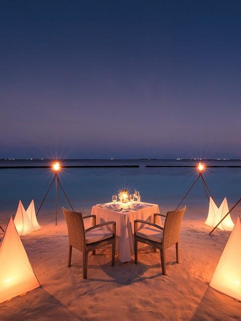 Baros Maldives strand dinner